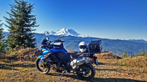 Rainier-and-bike-on-Pyramid
